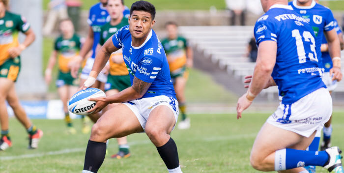 Newtown Jets halfback and Samoan international Fa'amanu Brown looks to swing a pass out to Jack Williams (Number 13) at Henson Park last Saturday. Photo: MAF Photography