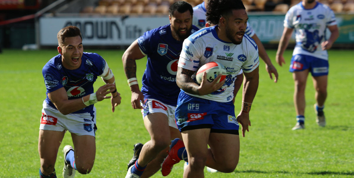 Newtown Jets energised back-rower Siosifa Talakai is pictured on the surge against the New Zealand Warriors at Mt Smart Stadium in Auckland last Saturday. Photo: fitographyNZ, Joe McPhee.